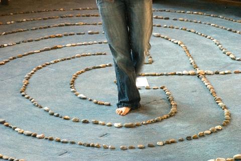 Walking the spiritual path. Image courtesy of WIkimedia Commons.